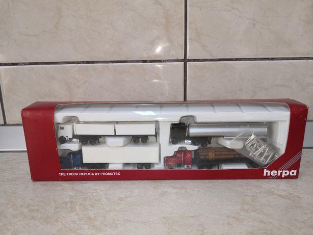 Set 4 Machete Peterbilt produse de herpa, scara 1:160, in cutie