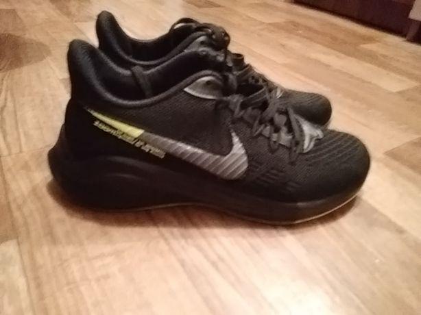 Мальчиковые кроссовки