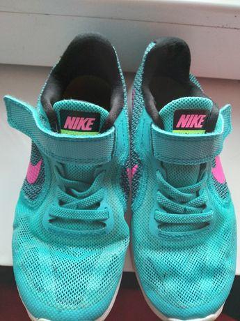 Adidasi Nike pt copii ,f putin purtati ,talpă nouā+ bluză cadou