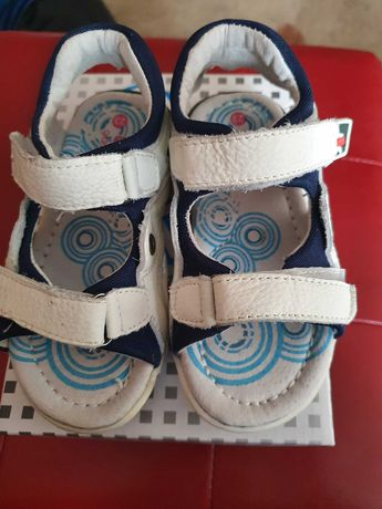 Детски сандали GDO