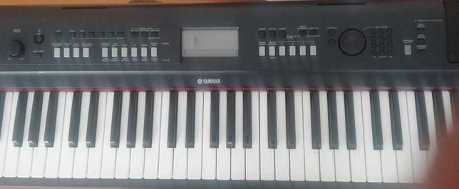 Продаётся синтезатор марки Yamaha Piaggero