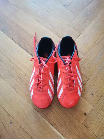 Детски маратонки за футбол на adidas