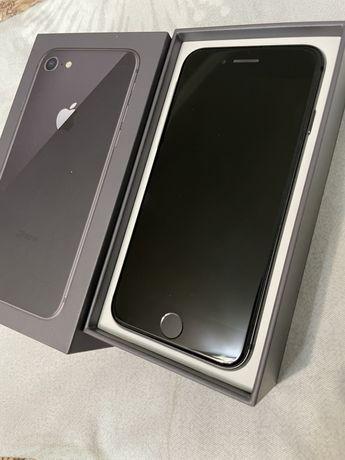 Продам сотку iPhone8