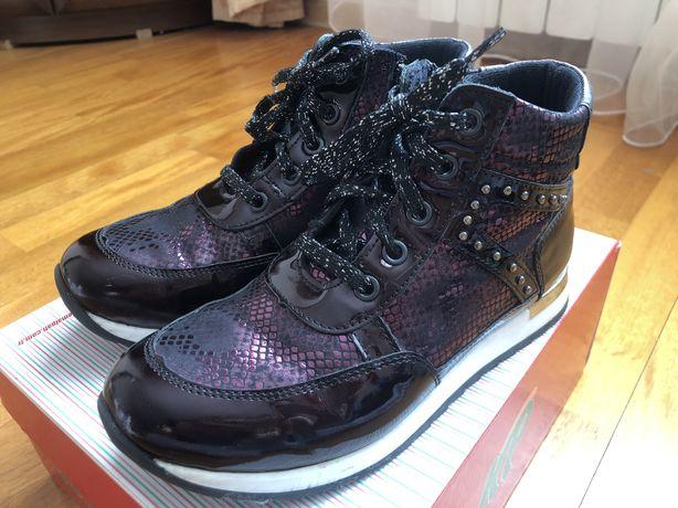Продам обувь демисезонную 33 р кожа. K.Pafi