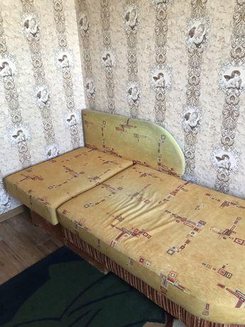 комплект раскладывающих диванов