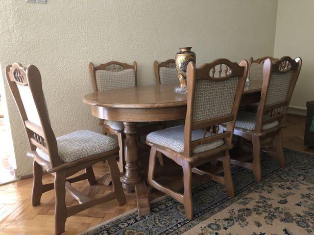 Masa + 6 scaune lemn masiv, stare impecabila