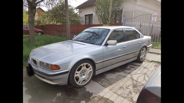 Dezmembrez BMW E38 725 TDS