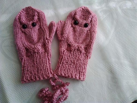 Бебешка шапка, терлички и ръкавички