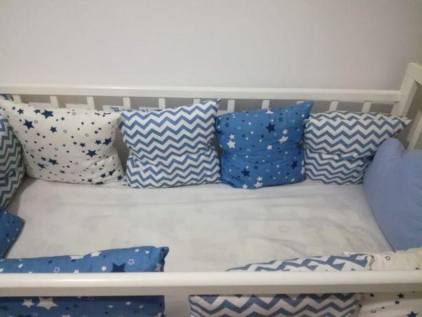 Детскую кровать с бортиками
