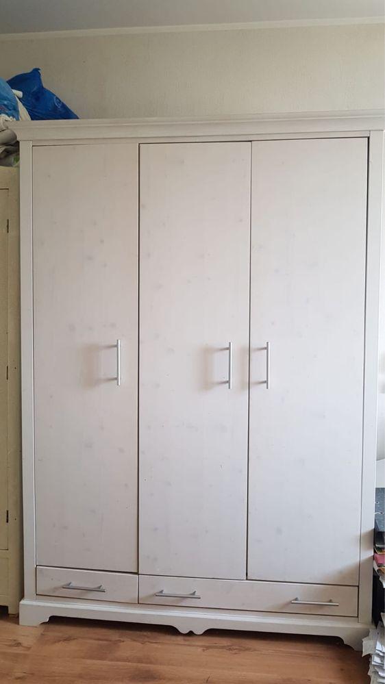 Dulap dormitor lemn pin