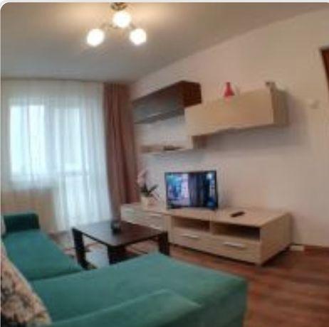 Inchiriez apartament 3 camere disponibil de la 1 August