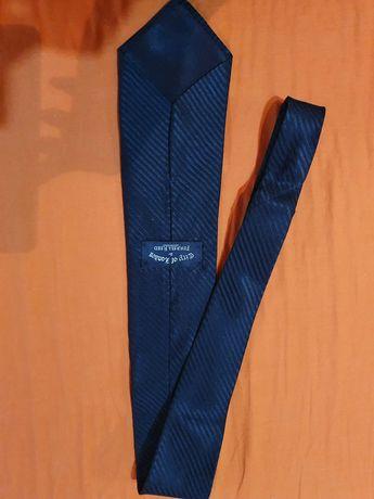 Cravate, pentru toate buzunarele!