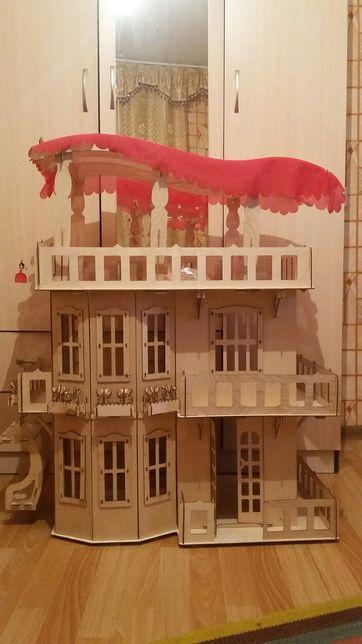 Кукольный домик для Барби и монстр Хай