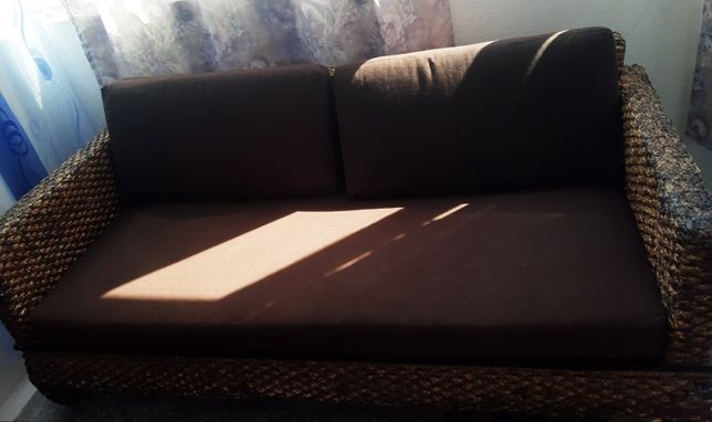 Canapea plus noptiera din ratan natural ideal casa/tereasa/gradina.