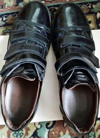 Pantofi Nero Giardini, piele, lac, black, 43, noi