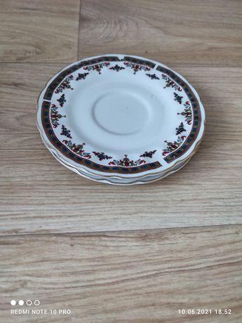Посуда кухонная разная (чашки, тарелки, ложки, чайники, казанок и др.)