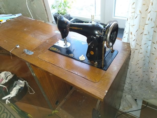 Швейная машинка 4000 тг