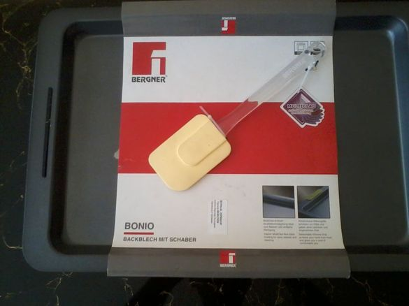 Нова тава за печене+подарък силиконова лопатка