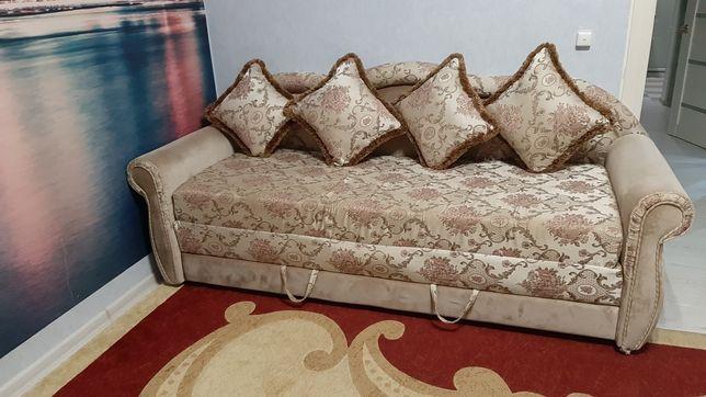 Продам диван. В хорошем состоянии.  Есть доставка.