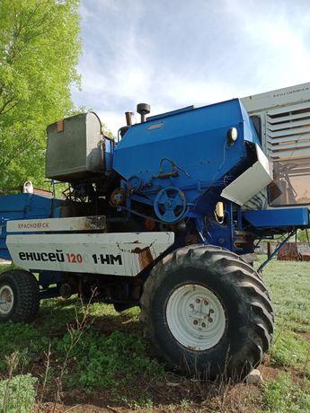 Комбайн зерноуборочный Енисей-1200 HM1, 2004года выпуска