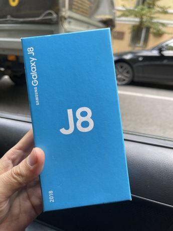 Samsung  J 8 Срочно