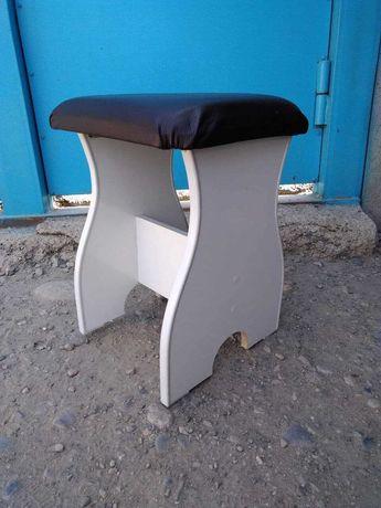 Продам стулья-табуреты новые