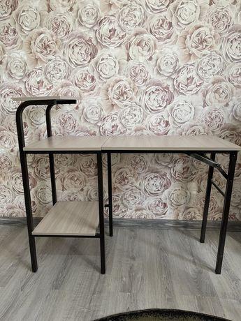 Продам складной столик для маникюра