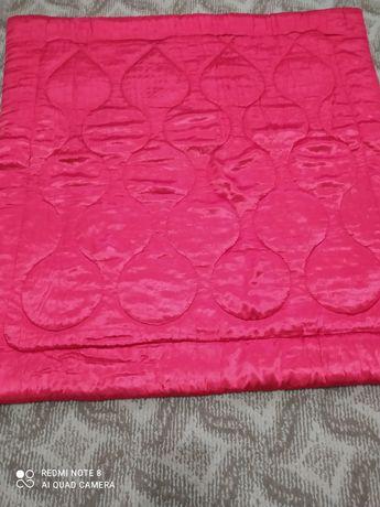 Продам  детское  атласное одеяло