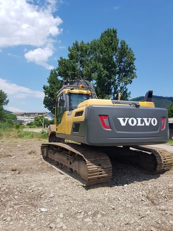 Lucrari cu excavator buldoexcavator basculanta buldo compactor