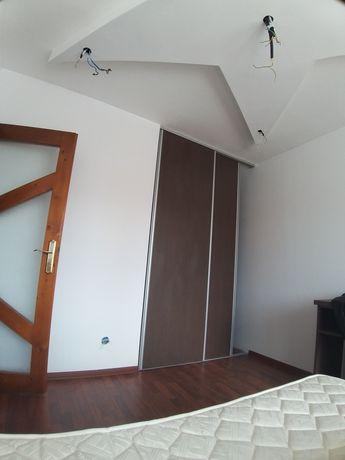 Vand apartament 2 camere decomandate