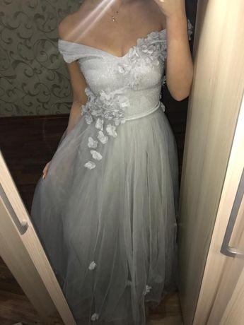 Вечерние платья, почти даром.