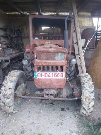 Tractor 445 DT in stare de functionare+ plug, disc, ștraf