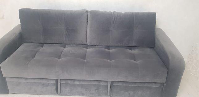 Стильный практичный диван. Продам срочно