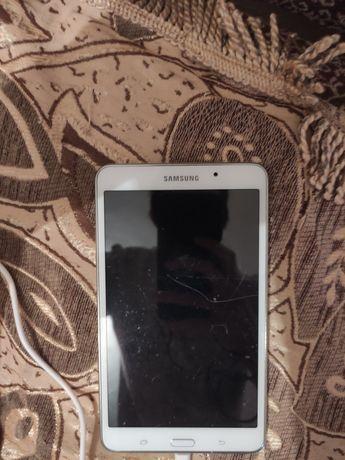 Планшет Самсунг Galaxy Tab 4
