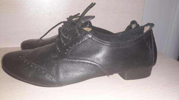 Caprice прекрасни равни обувки от мека естествена кожа