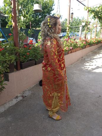 турска носия -два  броя