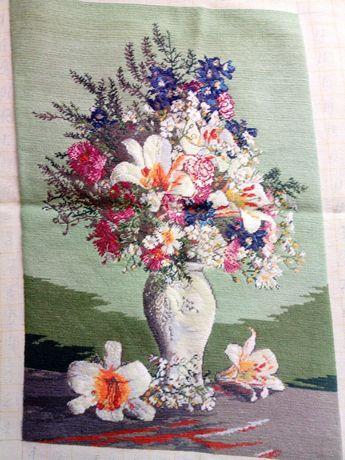 Гоблен Ваза с цветя