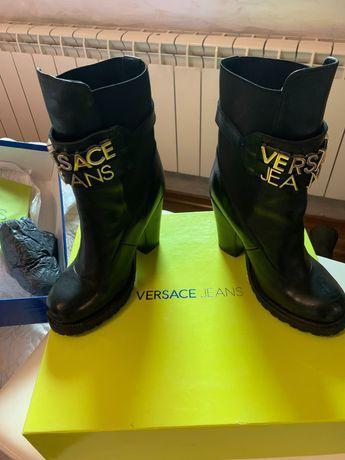 Боти Versace черни