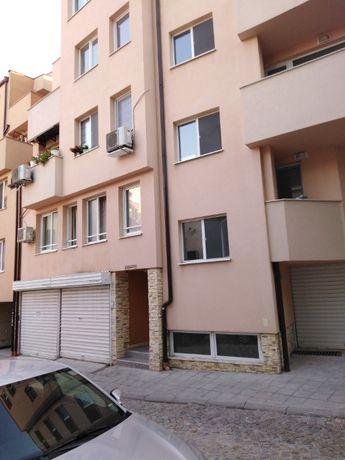 Самостоятелен апартамент за нощурки в центъра