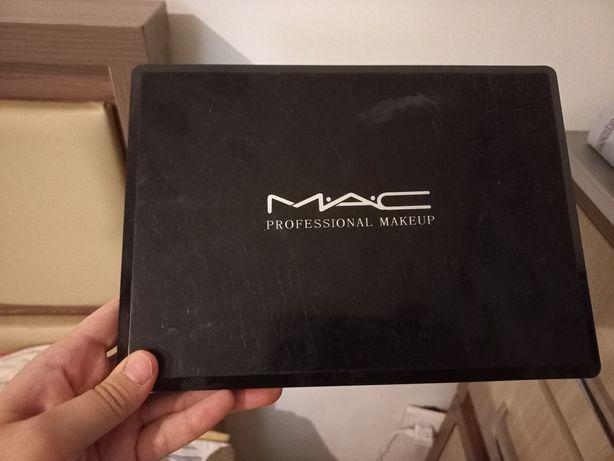 Продам палетка теней Mac