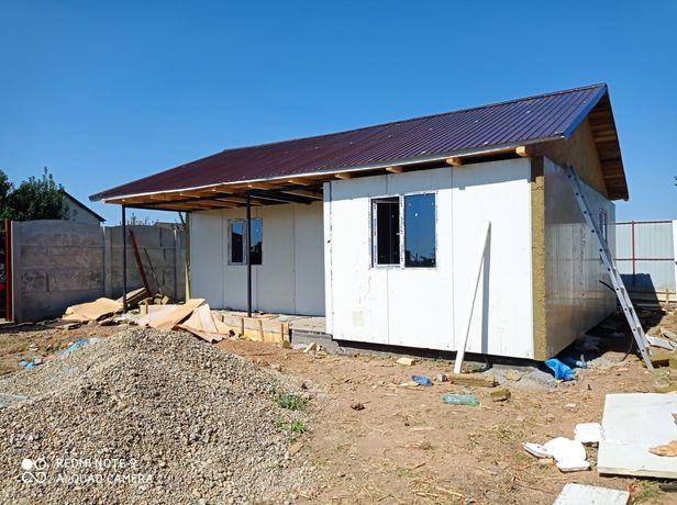 Vând casă pe structură metalică 7x8