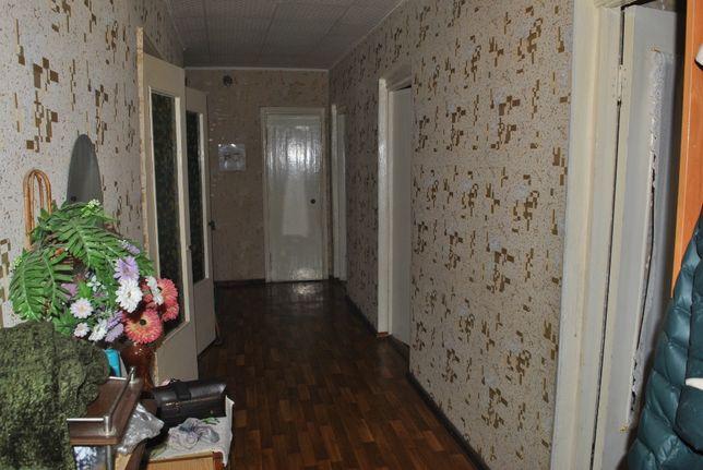 Продам 4-х комнатную(( улучшенная п-ка)) в г Абай БАМ .Школьная 85.