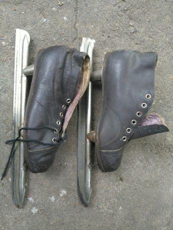 продам конькобежные коньки-ножи ретро.