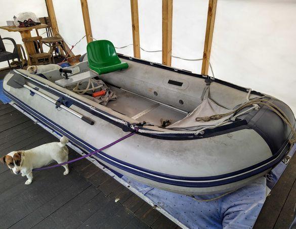 Лодка с твърдо дъно 360