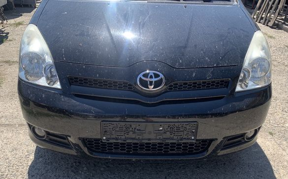Toyota Corolla verso 2.2 д4д и 2.0д4д,На части