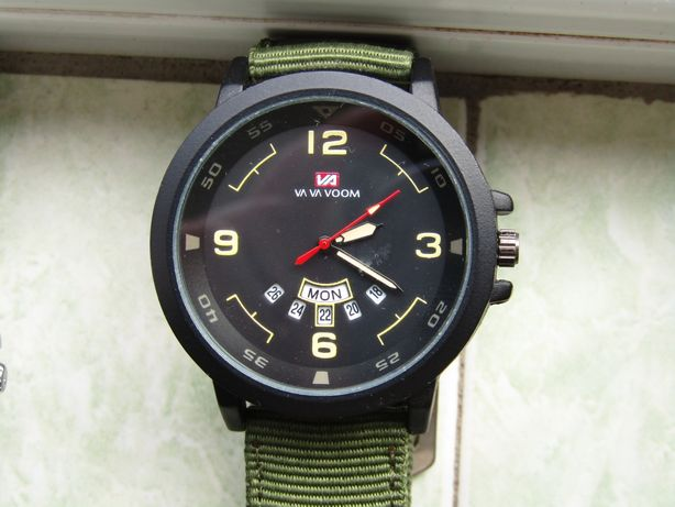 Ceas militar cu data