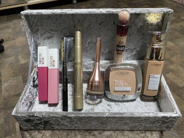 Cutie cu produse cosmetice