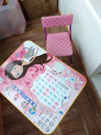 Детский столик для девочки