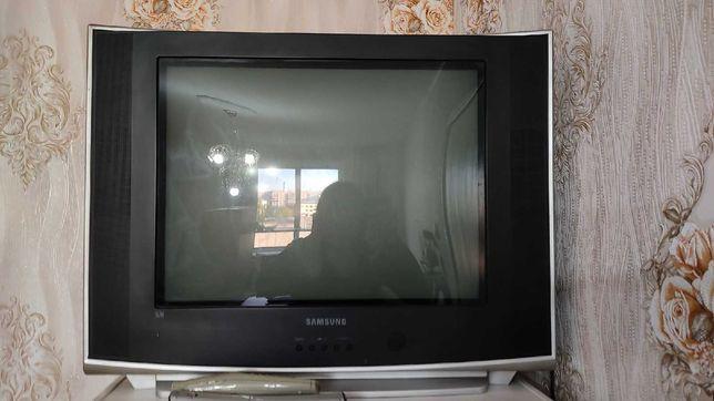 Продам старенький телевизор
