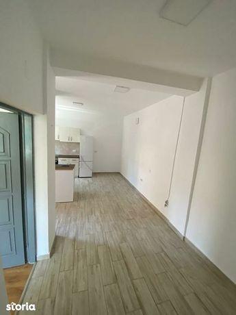 Apartament cu 2 camere de inchiriat!
